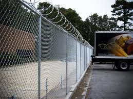 How to Install a Chain Link Fence 2