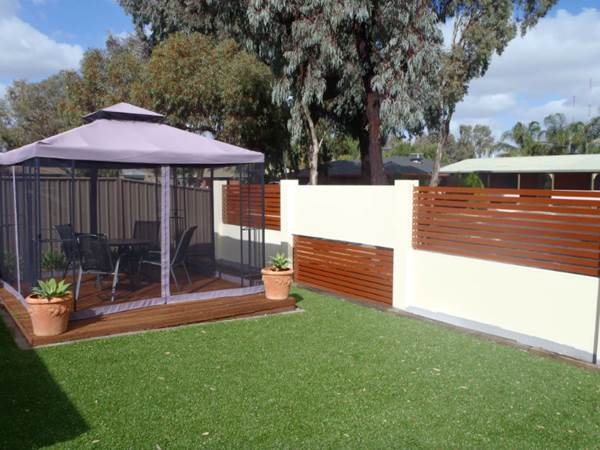 Improving Aesthetic and Security Value of Your Home with Garden Fencing