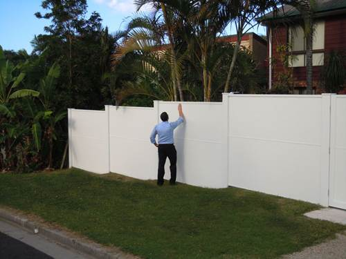 Improving Aesthetic and Security Value of Your Home with Garden Fencing 3
